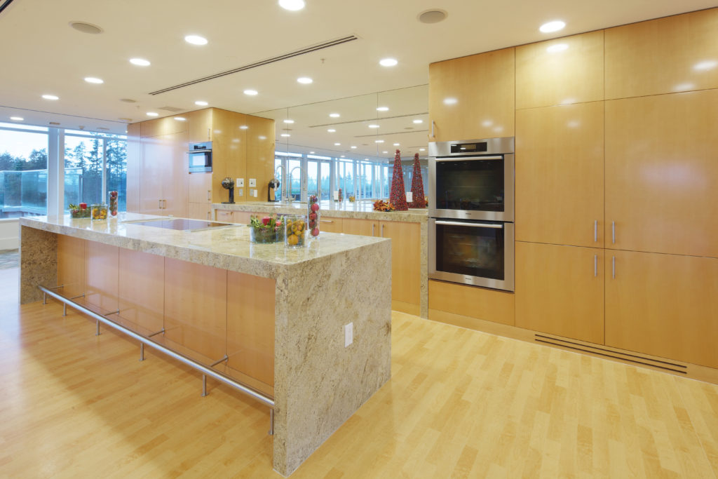 tapestry-at-wesbrook-village-demo-kitchen-1